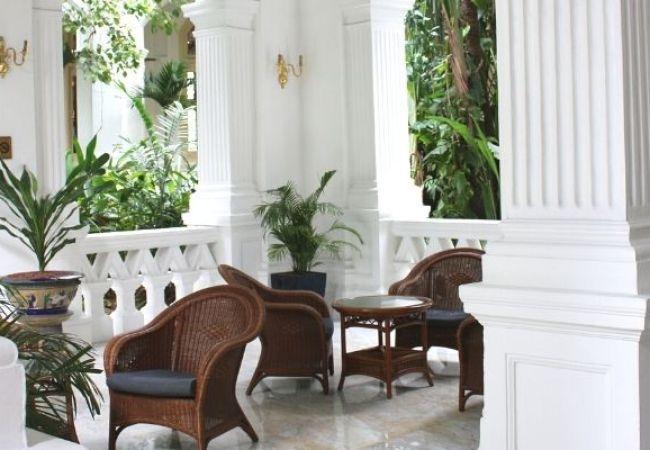 A Visit To Raffles Hotel – Singapore