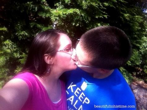 08 doctor who kiss