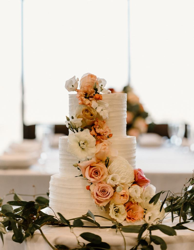 Wedding flowers on wedding cake