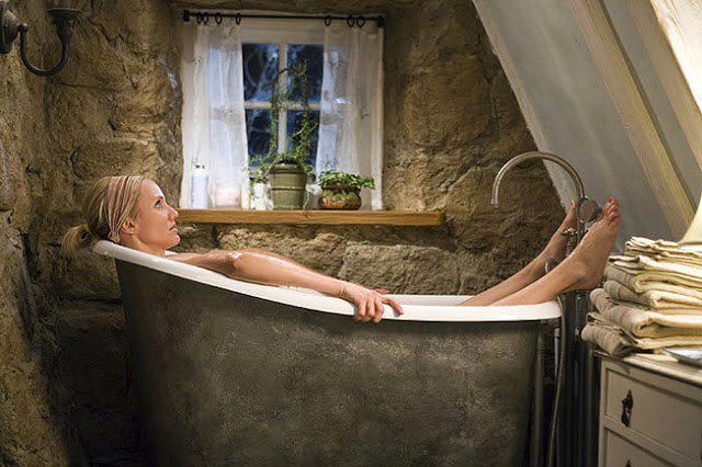 Cameron Diaz in bath in Rose Cottage from The Holiday
