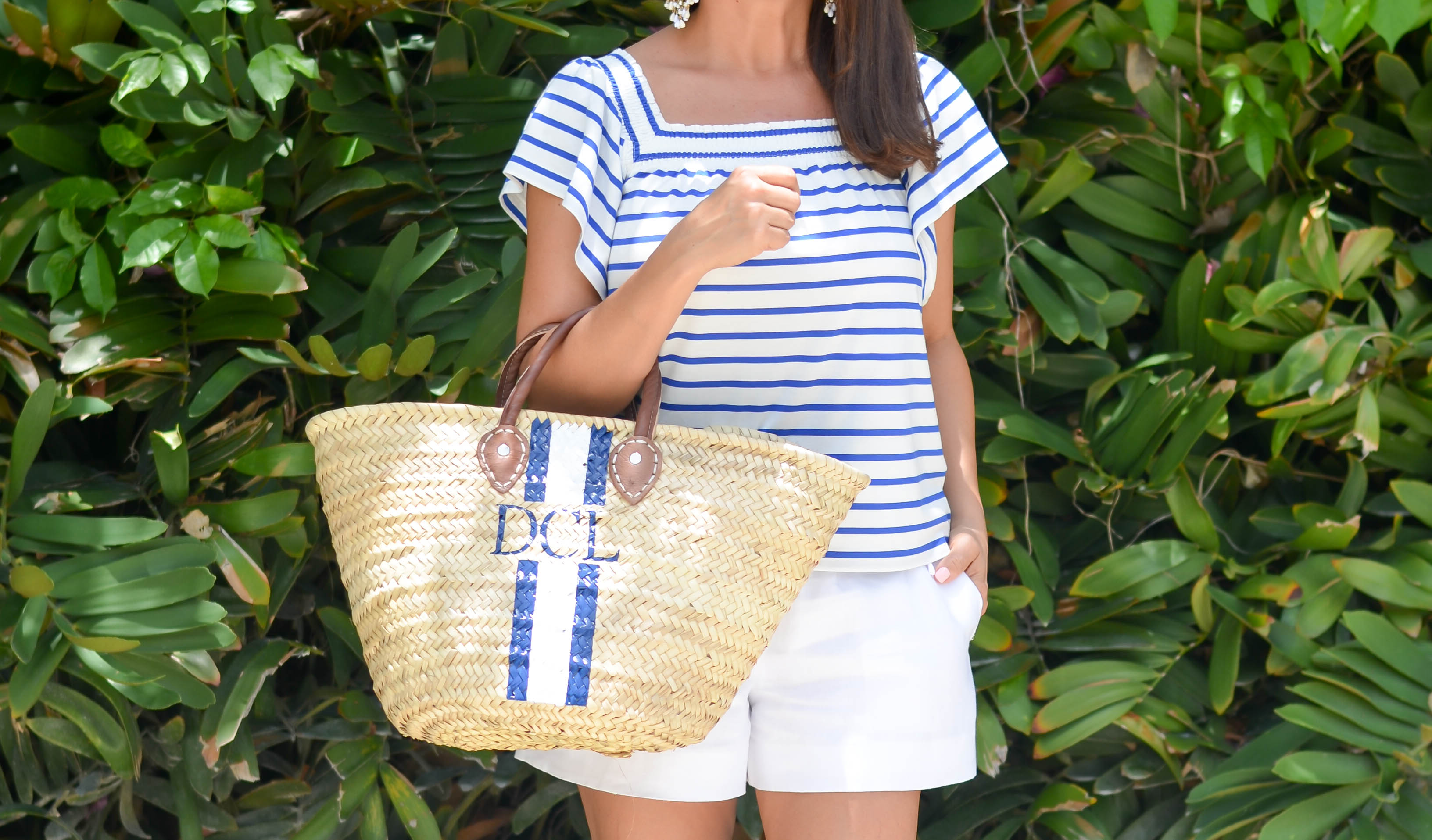 Beautifully Seaside casual summer outfit