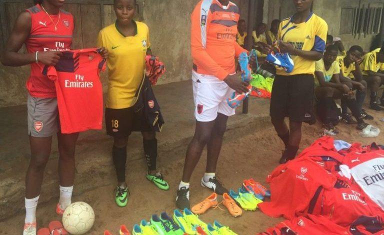 Arsenal Ladies Striker, Asisat Oshoala Donates Jerseys, Balls & Boots To Football Academy In Mushin