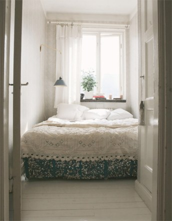 beautiful-small-bedrooms-all-white-dreamy-bedroom-queen-fire-place-corner-arm-chair-unique-pendant-lamp-bedroom-design-bedroom-design-ideas-bedroom-design-ideas-all-white-bedroom-ideas