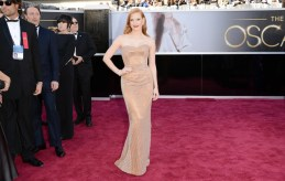 Oscars-2013--Jessica-Chastain-Dishes-On-Her-Armani-Prive-Dress