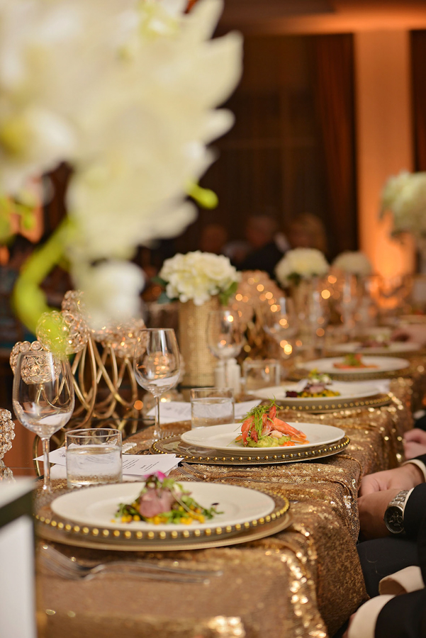 samantha-&-callum-easts-leagues-club-wedding-reception-styling-gold-sequin-bridal-table-linen-silk-floral-toppers-gold-mesh-vase