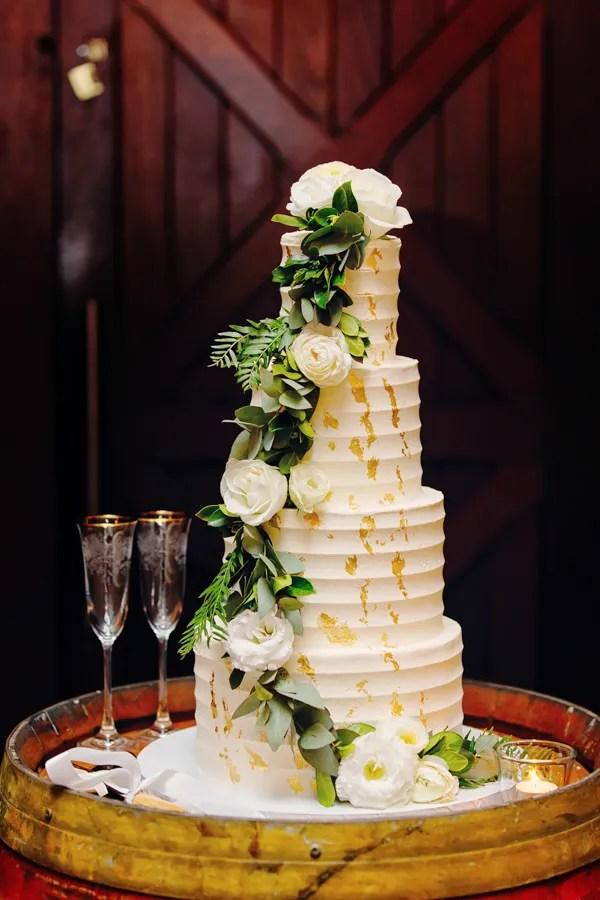 tanya-&-daniel-sirromet-winery-wedding-styling-08