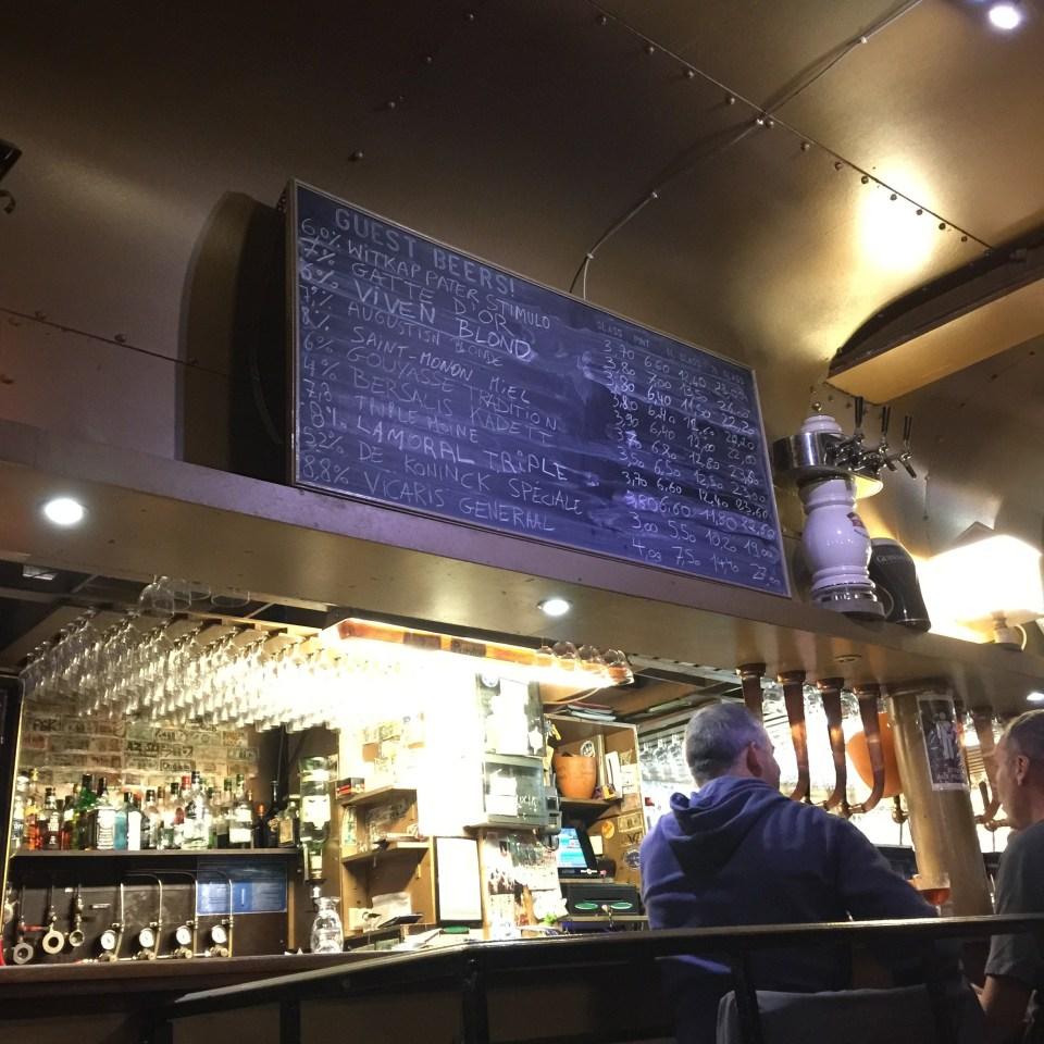 ブリュッセル ビアカフェ Délirium Café
