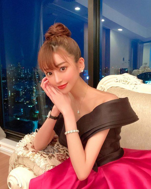 女版羅蘭!?日本「第一女帝」愛澤繪美里的酒店女公關社長的化妝術!   美力升級 Beauty Upgrade