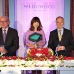 英国王室御用達ウェッジウッドの代名詞、「ワイルド ストロベリー」誕生50周年