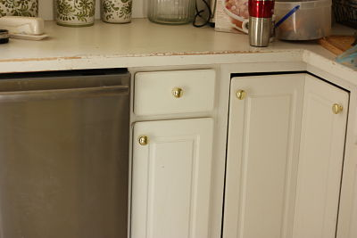 Can you paint brass cabinet hardware for Can spray paint kitchen cabinets