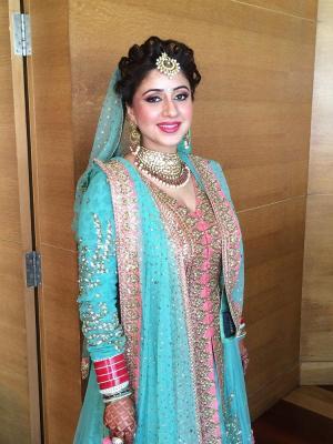 komal-gulati-makeup-artist-in-delhi