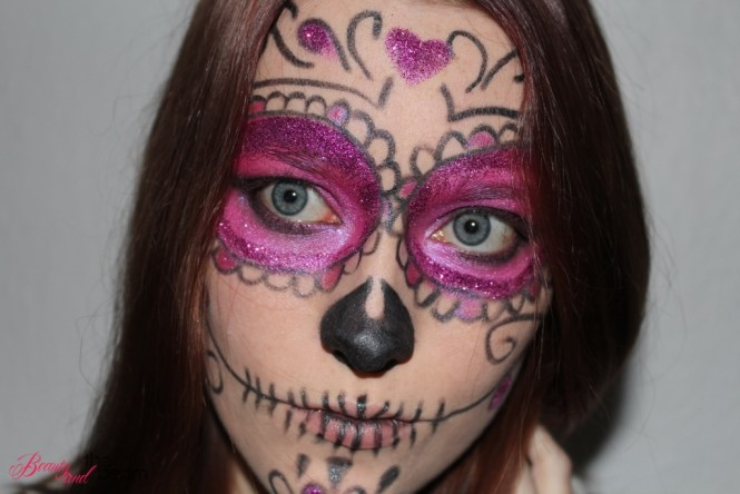 halloween-make-up_pink-supgar-skull-5