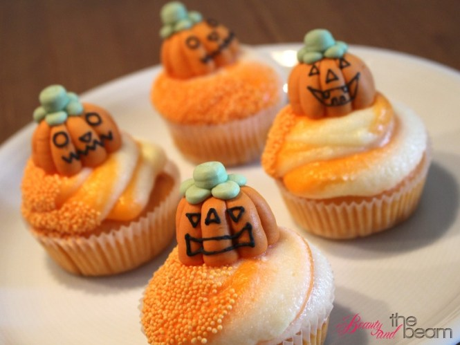 rezept halloween orangen cupcakes beauty and the beam. Black Bedroom Furniture Sets. Home Design Ideas