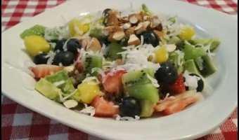 Quinoa Fruit Breakfast Bowl