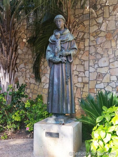 Statue of St Anthony San Antonio Beauty and the Beets