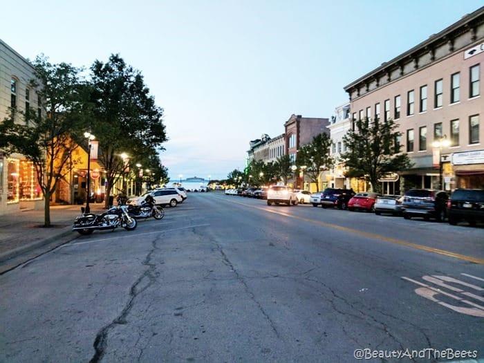 Downtown Sandusky Ohio Beauty and the Beets (1)