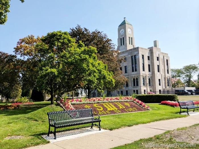 Downtown Sandusky Ohio Beauty and the Beets (3)