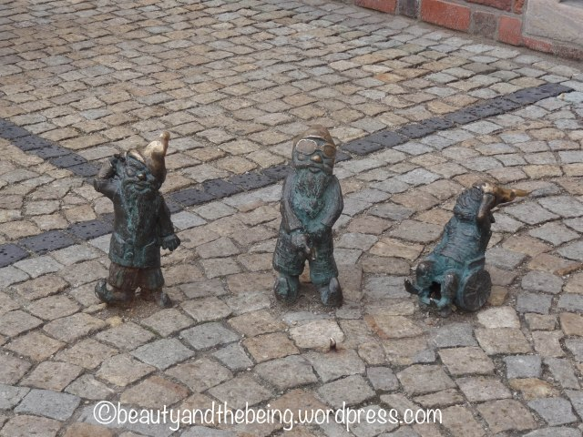 My favourite of the Wroclaw Dwarfs (Gnomes) - beautyandthebeing.wordpress.com
