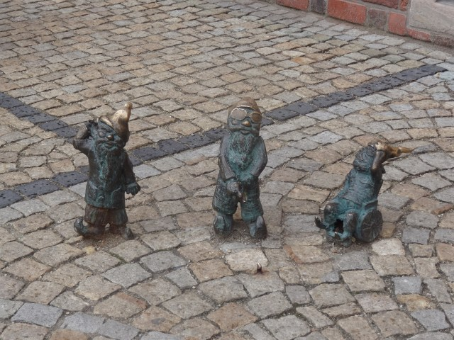 Wroclaw's Gnomes: All About the Finding Gnomes Tour in Wroclaw, Poland