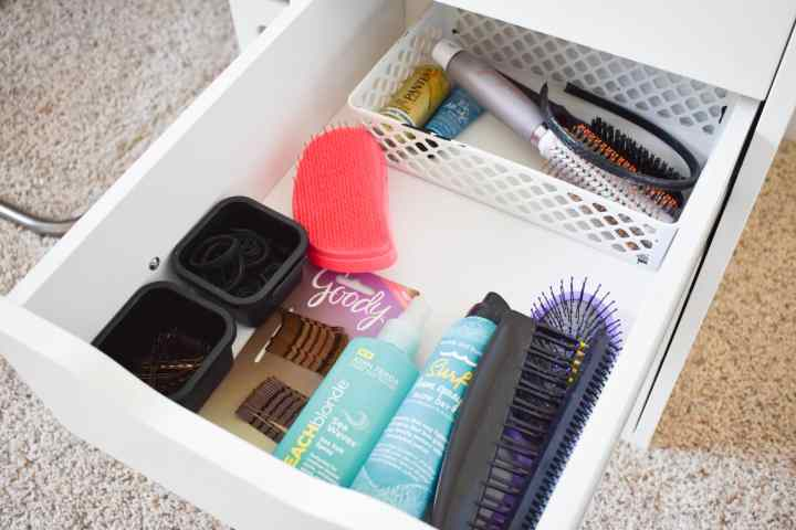 makeup storage and organization