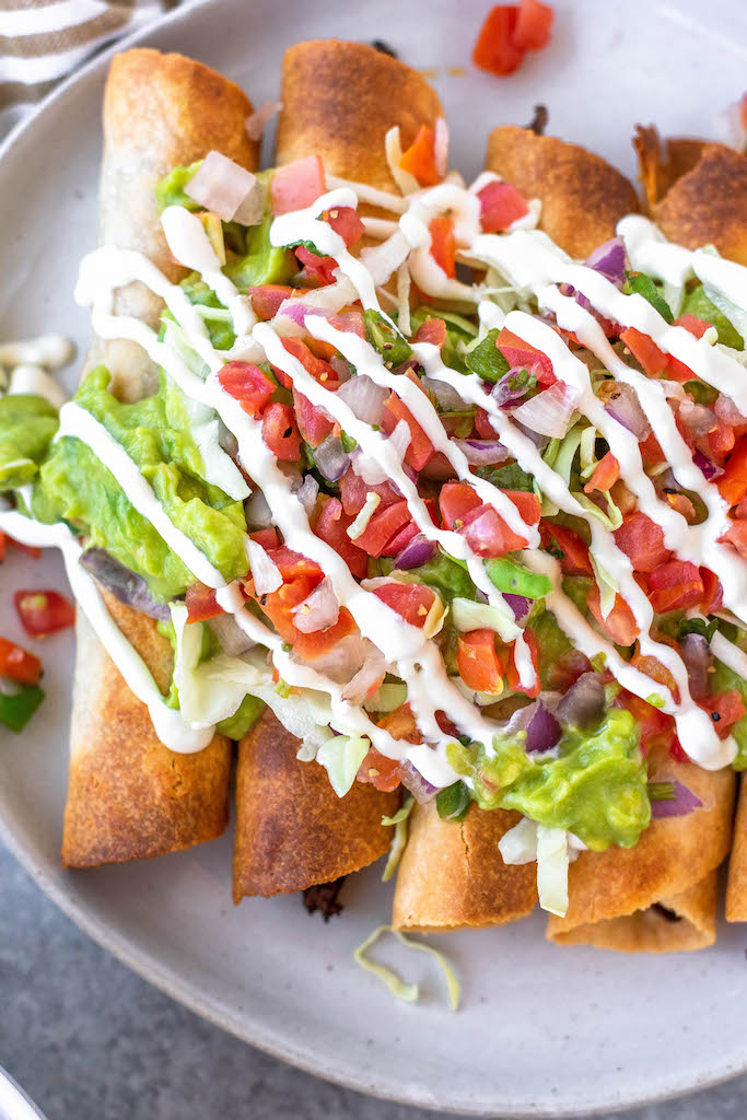 flautas with guacamole, pico de Gallo and sour cream
