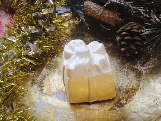 Golden Wonder - Lush Christmas