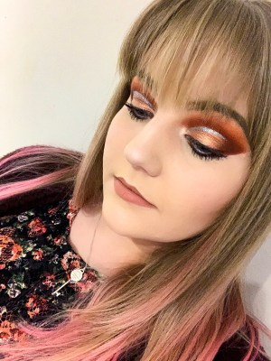Glitter Cut Crease Makeup Look
