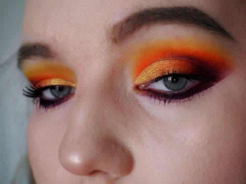 bold autumn makeup look