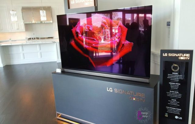 rand-luxury-private-brunch-lg-signature-oled-tv