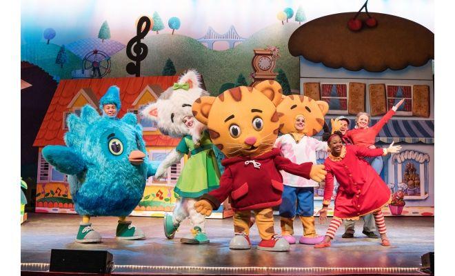 daniel-tigers-neighborhood-live-daniels-friends