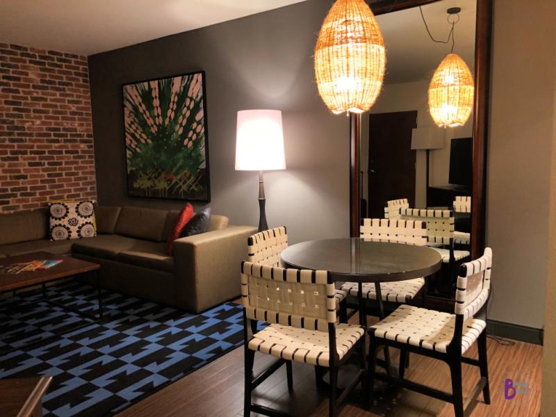 Hotel Contessa King Suite Living Room.