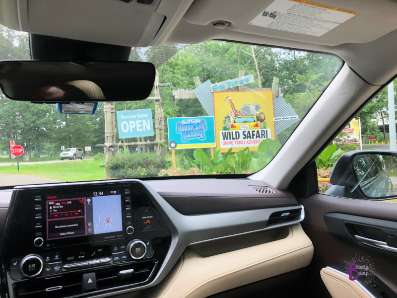 2020 Toyota Highlander XLE V6 AWD Family Road trip to Six Flags Safari