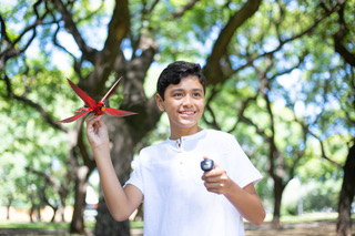 R/C meets today's trending drone toys with the wing-flapping Go Go Bird. Perfect for the outdoors or on the beach fun - this modern day kite flies distances of up to 100 feet! With a smart obstacle-avoiding module that uses infrared sensors, Go Go Bird has autonomous obstacle recognition and will automatically turn around 6 feet away from the wall for self-protection. Inside of Go Go Bird, there's also a six-axis sensor, so it can take off by lifting your hand up and down when you're ready to fly. #gogobird