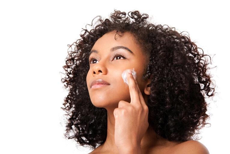 DIY Pimple Spot Treatment | 3 Household Items to Spot Treat Acne