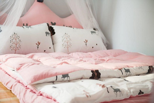 pink-bed