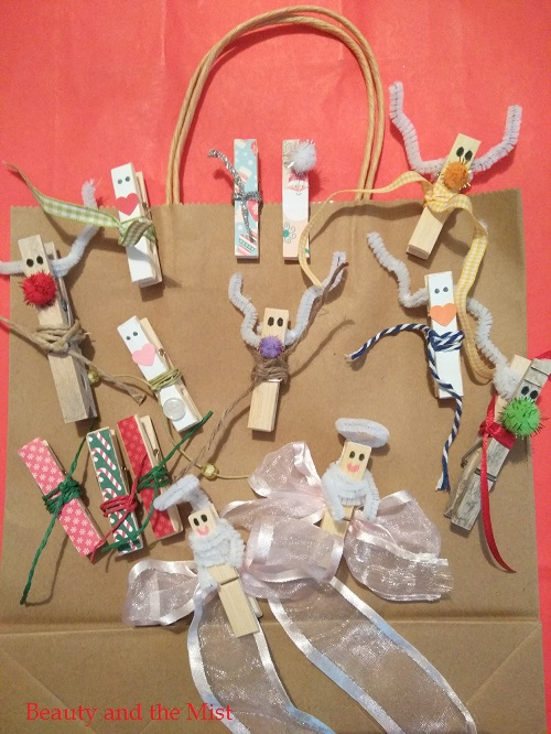 DIY: Christmas Crafts with Clothespins For Gifts Decor