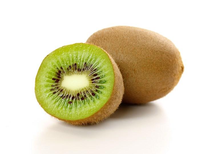 Kiwi for kiwi face mask and smoothie