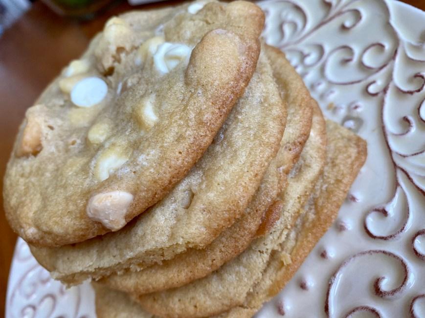 White Chocolate Macadamia Nut Cookies by BeautyBeyondBones! #dessert #baking #food #sweets #cookie #vegetarian #edrecovery