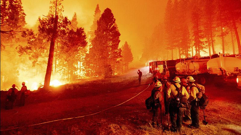Lake Tahoe is being devastated by the Caldor Fires, covering the region in thick, gray smoke that stings your eyes and nostrils. This is what it's like to take a girls trip in the middle of the apocalypse. #prayfortahoe