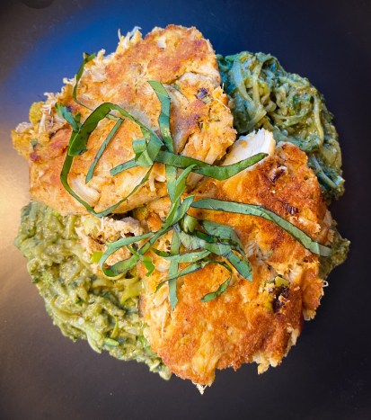THE MOST AMAZING DINNER! Keto Crab Cakes! Made with almond flour and jumbo lump crab meat, these healthy and DELICIOUS crab cakes will become a new family favorite! #glutenfree #paleo #keto #lowcarb #crab #summer #food #recipe #healthyfood #cooking