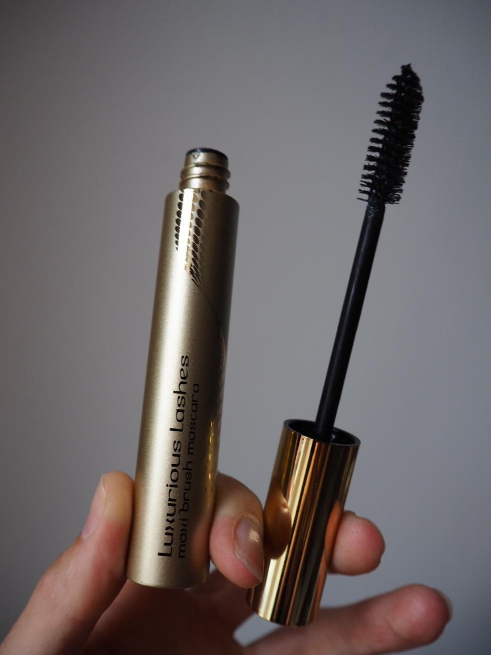 8b089eeff2d luxurious lashes mascara by kiko packaging and brush