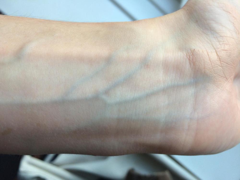 foundatio-shade-selection-colour-matching-wrist-veins