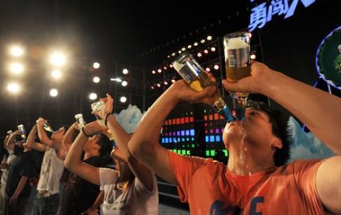 ビール 飲む