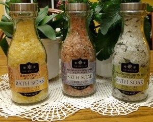 Bathe In Luxury With These Floridian Bath Salts
