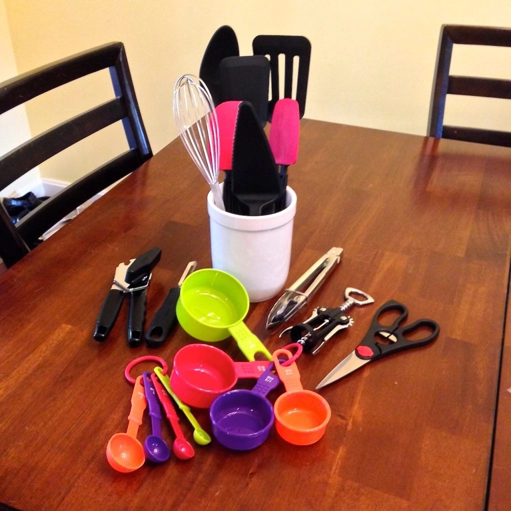 BUILT Home Products-Farberware 21 Piece Tool and Gadget Set With Crock
