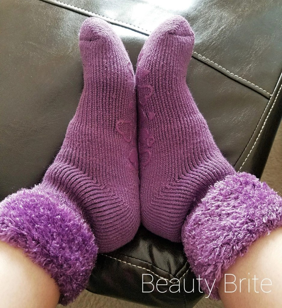 Heat Holders Ladies Solid Lounge Socks with Heart Grip in Lilac Mauve