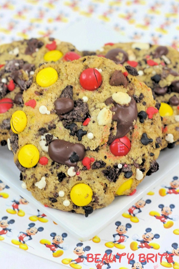 Mickey Stuffed Cookies served on plate