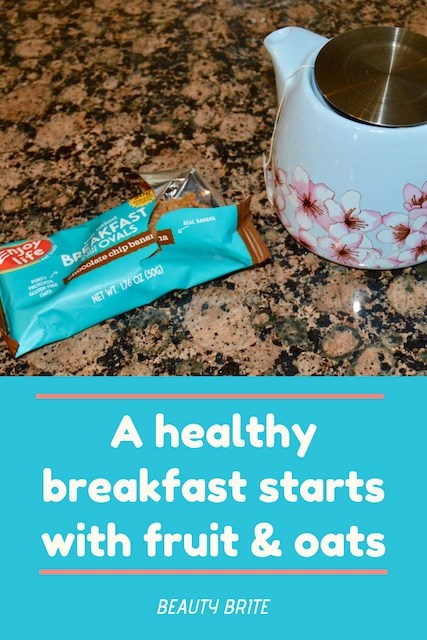 A healthy breakfast starts with fruit and oats