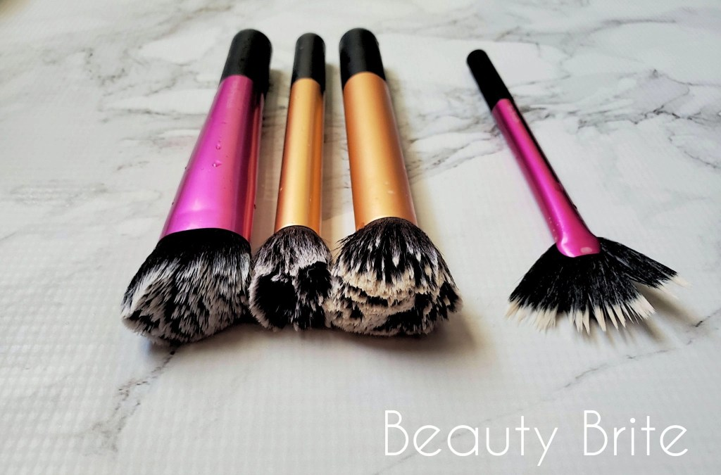Makeup Brush Cleaning Tutorial Step 4