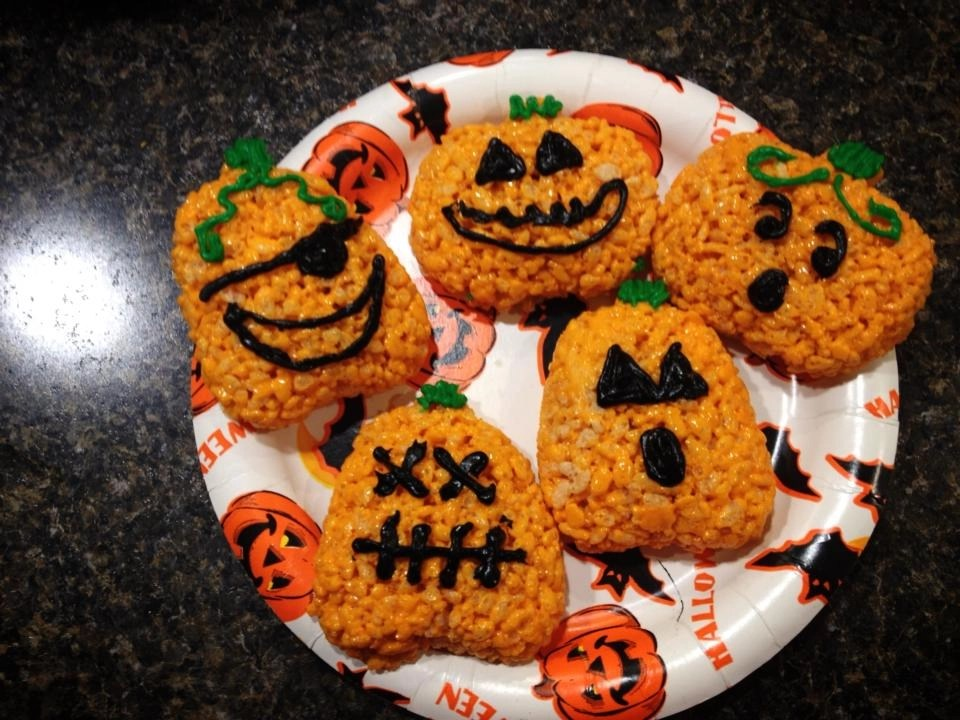 Halloween treat - Rice Krispy Treat Pumpkins